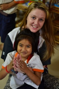Emilie au Cambodge enfants Globalong