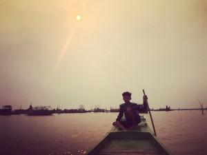 excursions en barque avec Globalong au Cambodge